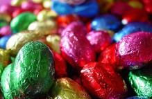 Lækre fyldte påskeæg af chokolade i 1 kg sæk