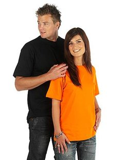 Cheap unisex T-shirts (100% cotton) with round neck and short sleeves
