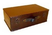 Koloniale houten bruine kisten (middelkleine uitvoering, afmeting 370 x 220 x 130 mm)
