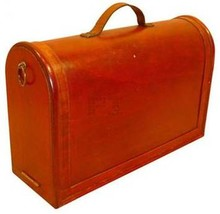 Exclusive wooden carrying cases for 2 bottles of wine
