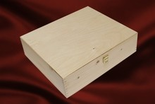 Blank wooden 4-bin wine boxes with hinged lid (with two hinges and a lock)