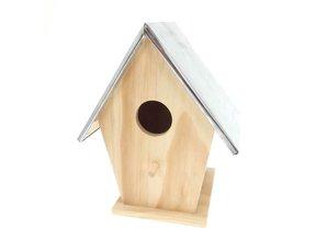 Mooie afgewerkte houten vogelhuisjes met zinken dak!
