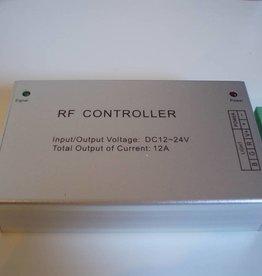 RGB Controller mit Fernbedienung.