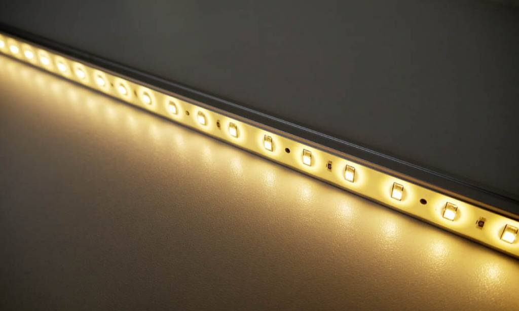 LED Leiste 1 Meter Warm Weiss - BuyLEDStrip.com
