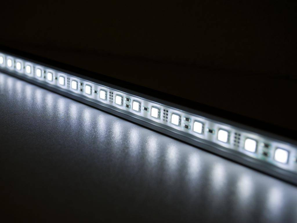 LED Leiste 1 Meter Weiss 5050SMD 14.4W