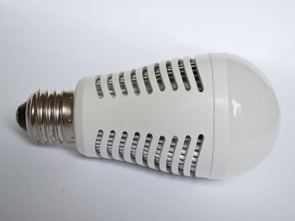 lampadina watt : Lampadina LED LMB2 E27 230V 7 Watt - BuyLEDStrip.com