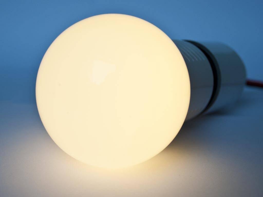 Bombilla LED E27 LMB1 110-230V 3 Vatios