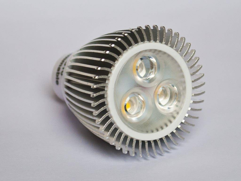 GU10 COB LED Spot LM60 6 Watts 110-230 Volt Gradable