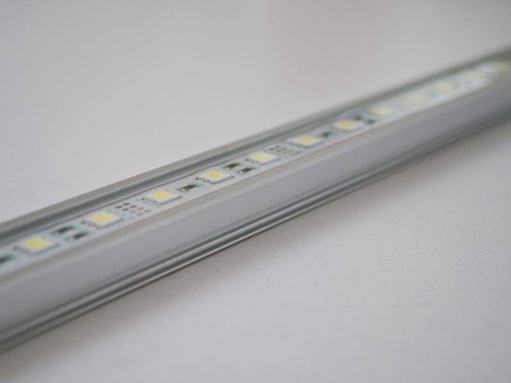 Striscia LED Rigida Impermeabile - Blanco 5050 SMD 7.2W