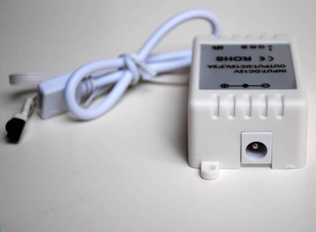 Controlador RGB con control remoto IR