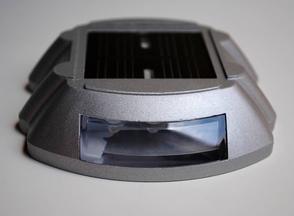 Katzenauge/ Road Reflektor mit LED auf Solarenergie