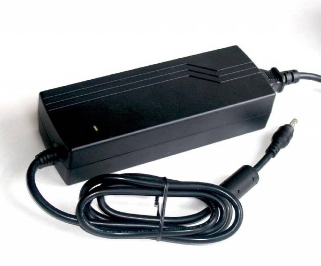 120 Watt Netzadapter 12V