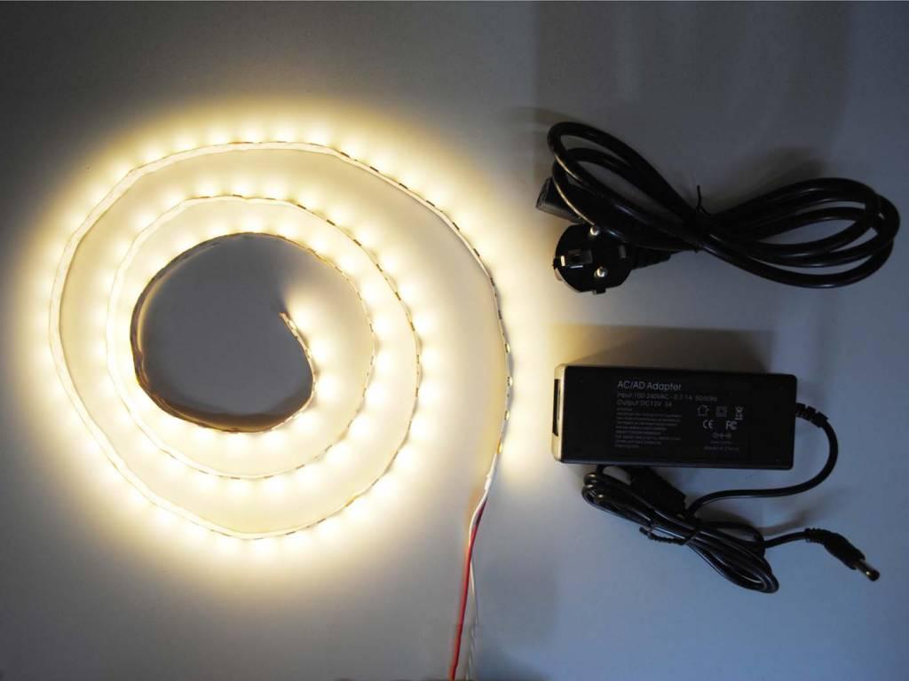 Blanco Cálido 5050 60 LED / m completa