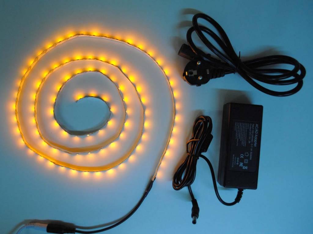 Bande LED Jaune 60 LED / m Kit