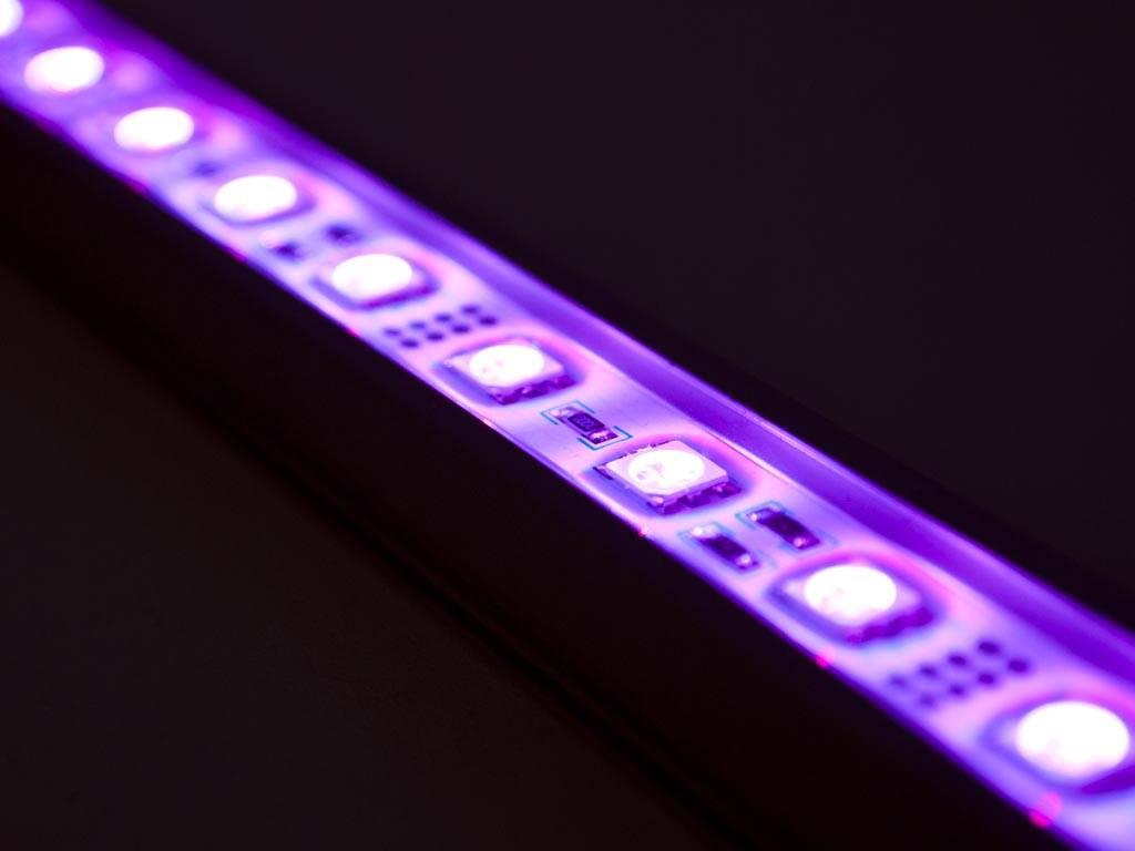 Barre de LED de 50 centimètres RVB-WW 5050 SMD 7.2W