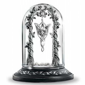 LOTR The Evenstar Pendant Display
