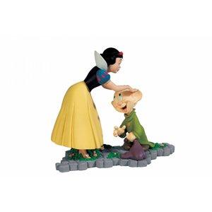 Disney - Sneeuwwitje met Dopey (Stoetel) Statue