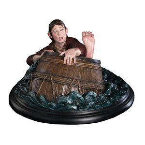 The Hobbit :Bilbo Baggins Barrel Rider (special preview figurine)