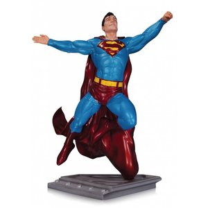 Superman The Man Of Steel Statue Gary Frank