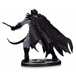 Batman Black & White Statue Dave Johnson