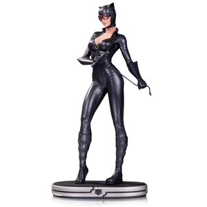 DC Comics Cover Girls Statue Catwoman