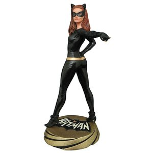 Batman 1966 Premier Collection PVC Statue Catwoman 30 cm