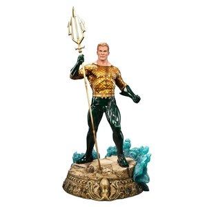 DC Comics Premium Format Figur 61 cm Aquaman