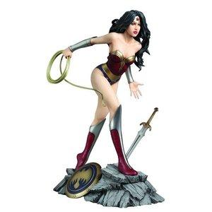 DC Comics Fantasy Figure Gallery Statue 1/6 Wonder Woman (Luis Royo)
