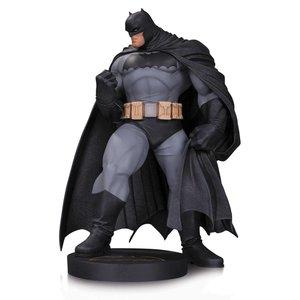 DC Comics Batman Statue Designer by Andy Kubert 30 cm