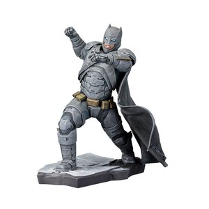 Batman v Superman ARTFX+ Statue 1/10 Batman 21 cm