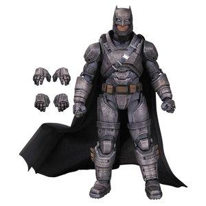 DC Films Action Figur Armored Batman (Batman v Superman Dawn of Justice) 17 cm