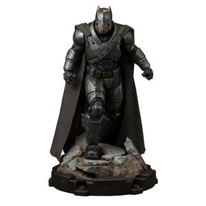 Batman v Superman Dawn of Justice Premium Format Figure Armored Batman 59 cm