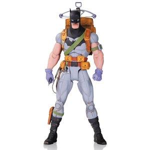 DC Comics Designer Action Figure Survival Gear Batman by Greg Capullo 17 cm