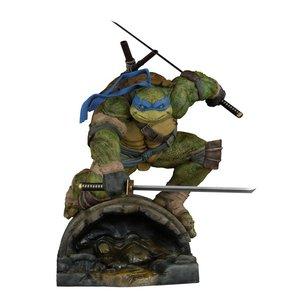 Teenage Mutant Ninja Turtles: Leonardo Statue