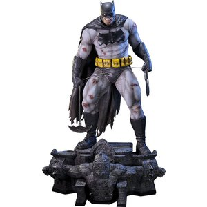 Batman The Dark Knight Returns Museum MASTERLine Statue third Batman 83 cm