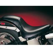 Le Pera Seat plein pied Silhouette lisse 00-16 Softail avec pneu arrière de 150mm