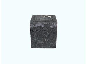 Grote vierkante kaars in de kleur zwart