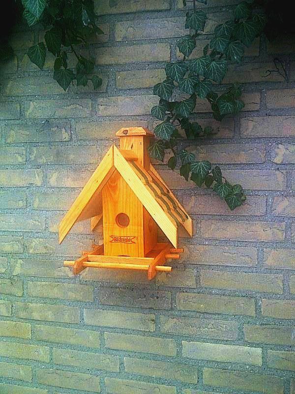 Vogel voederhuisje voor aan de muur design brievenbus en for Huisjes voor aan de muur