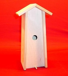Blank houten Vogelhuisje passend voor 1 fles wijn van 0.75 liter (staand model, binnenmaat 345 x 110 x 90 mm)