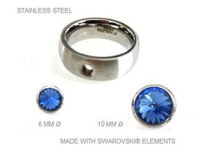 Ring aus Edelstahl mit herausnehmbaren Swarovski Steinen