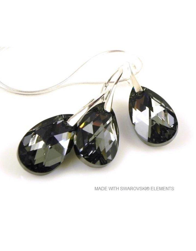 """Bijou Gio Design™ Set Zilveren Oorringen en Ketting met Swarovski Elements Pear-Shaped """"Crystal Silver Night"""""""