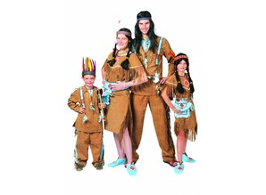 Carnival-costumes: Manitou Indian-family