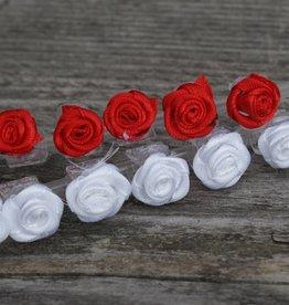 Klemmetjes met rode en witte roosjes