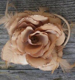 Licht bruine bloem corsage