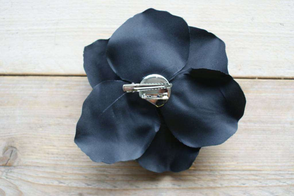 Zwarte corsage (groot)