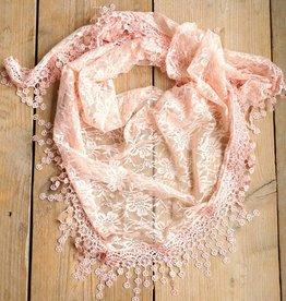 Zalmkleurige kanten sjaal