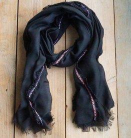 Lange zwarte sjaal