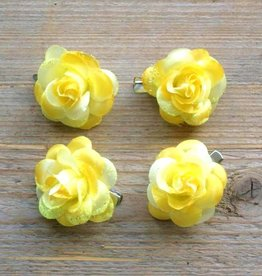 Kleine gele bloemetjes (4 stuks)