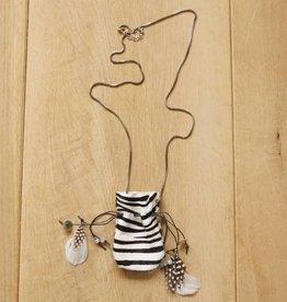 Ketting met buidel (zebra)