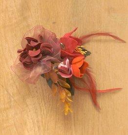 Luxe bloemcorsage bordo